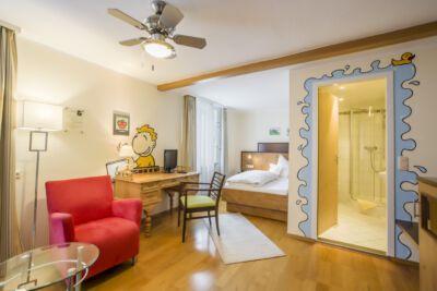 marcus-trepesch-unbeobachtet-einzelzimmer-komfort-plus